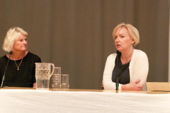 Bild på Pam Fredman, rektor vid Göteborgs universitet och ordförande i SUHF, i panelen tillsammans med Helene Hellmark Knutsson, utbildnings- och forskningsminister