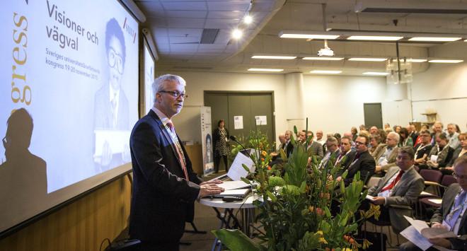 SULF:s ordförande Mats Ericson håller kongresstal