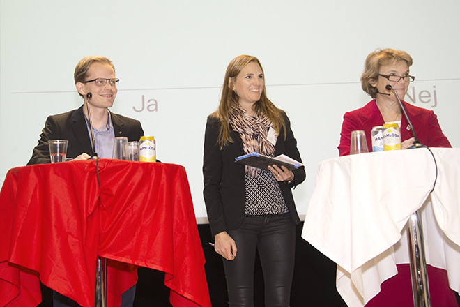 Fredrik Hylerstedt, studeranderepresentant i referensgruppen för nytt kvalitetssäkringssystem, Carin Renger, utredare på SKL och Harriet Wallberg, universitetskansler.