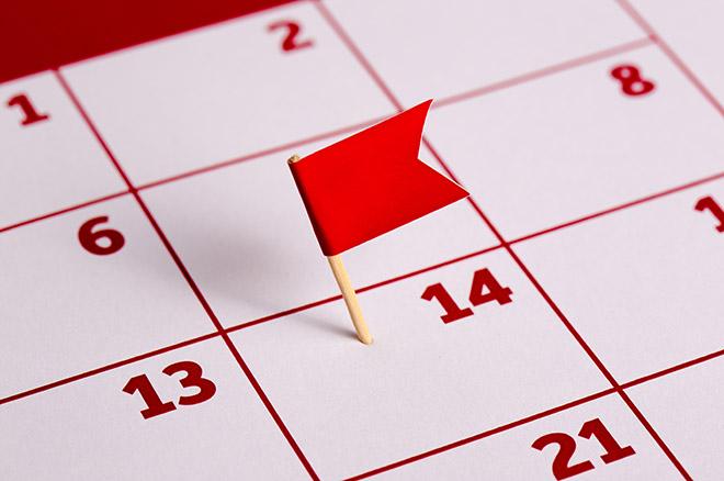 Kalender med röd flagga